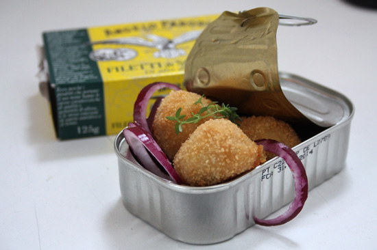 Polpettine di sgombro e patate di Gloria, Lavanda in terrazza