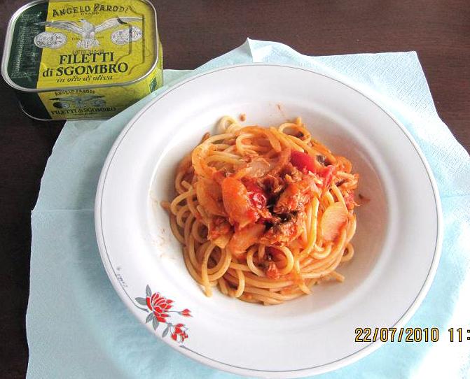 Spaghetti gustosi ai filetti di sgombro di Francesca