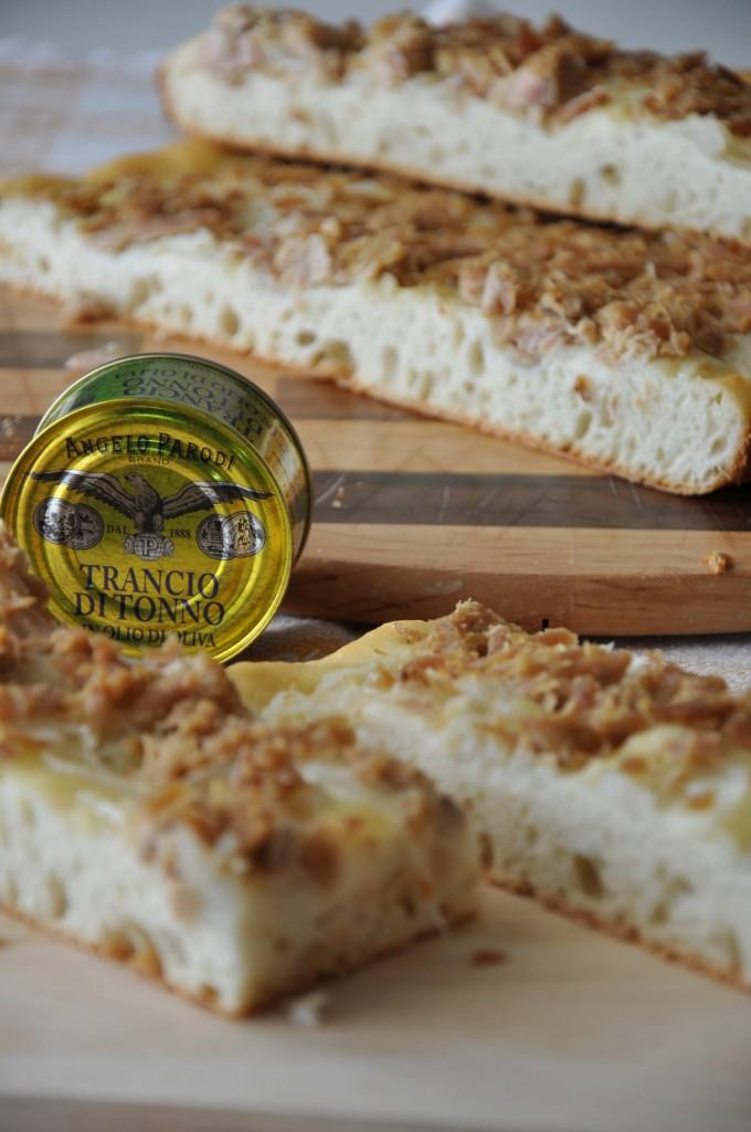 Focaccia morbida con tonno e cipolle di Federica, La cucina di Federica