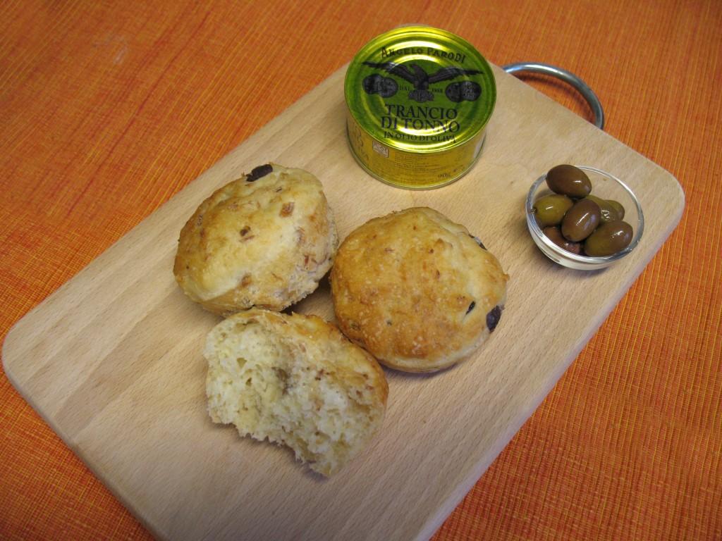 Pan muffin tonno e olive di Nadia Barbagelata