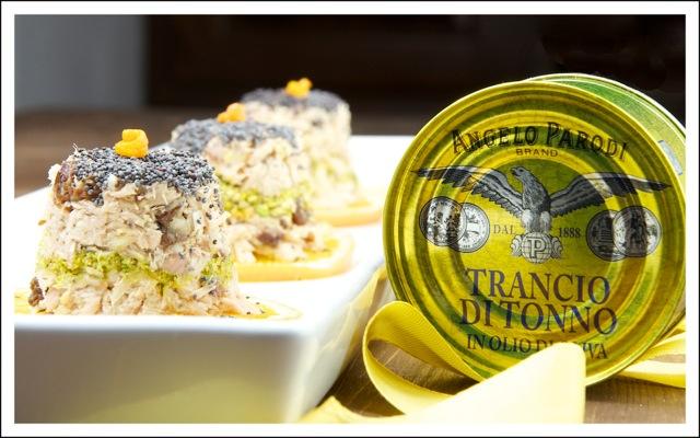 Mini tortini di tonno e frutta secca agli agrumi di Ilaria, www.nonsolopiccante.it