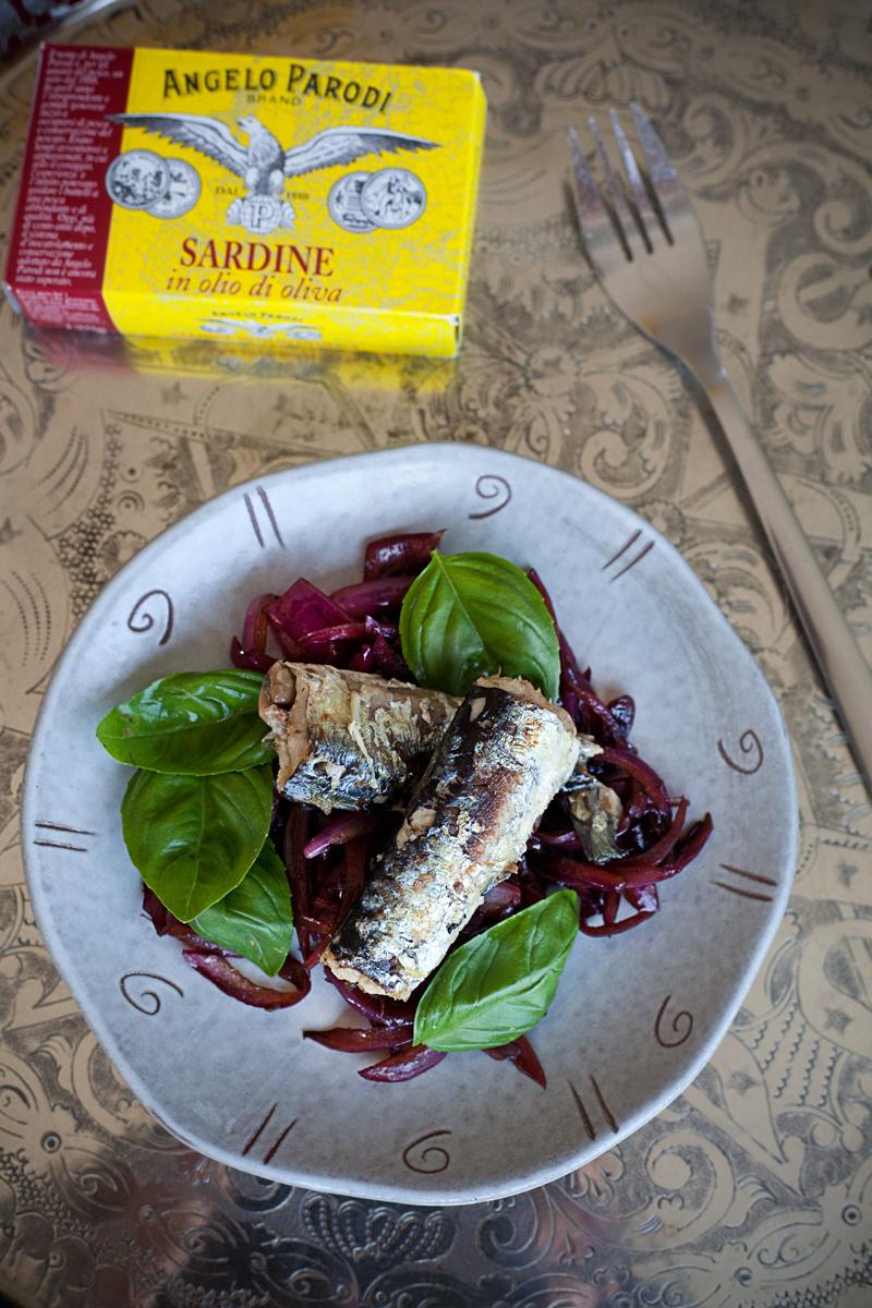 Sardine con cipolle all'aceto balsamico e basilico di Sonia