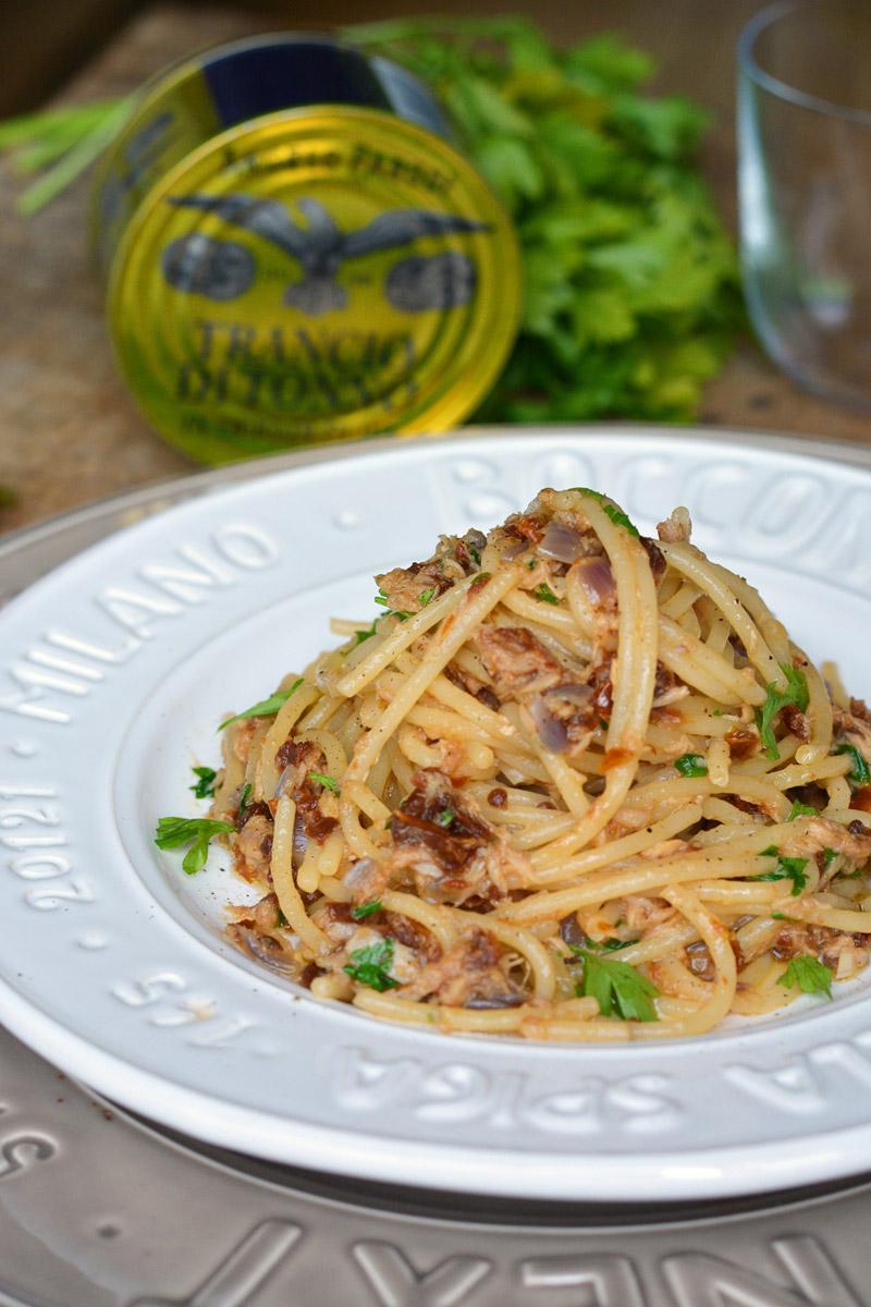 Spaghetti con tonno e pomodorini secchi di Ramona