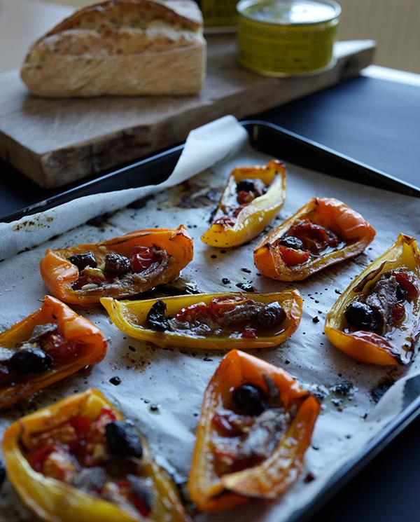 Peperoni arrostiti con olive e acciughe di Sonia