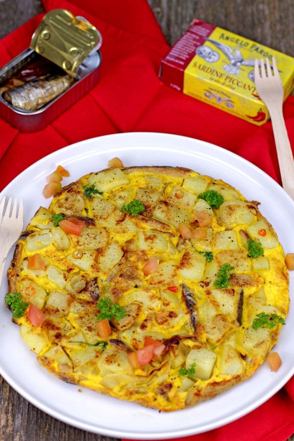 Tortilla di patate, cipolla e sardine piccanti di Lidia