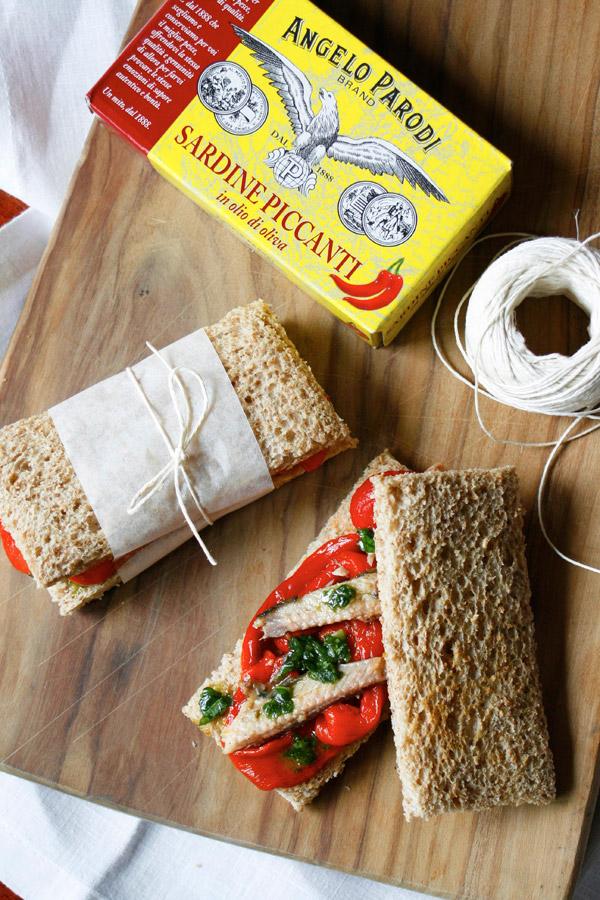 Sandwich con peperoni e sardine piccanti di Claudia