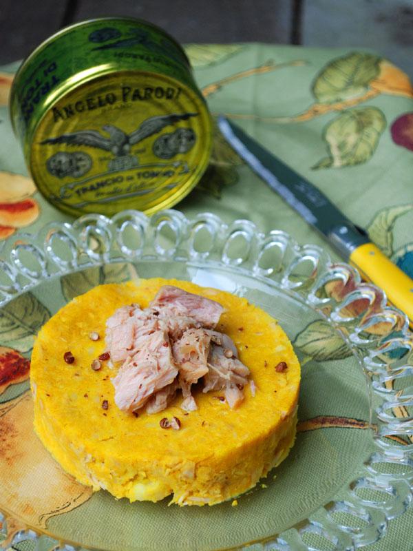 Tortino di patate alla curcuma e tonno con pepe di sichuan