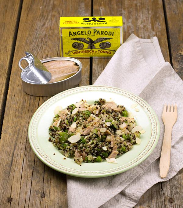 Quinoa con ventresca di tonno, gamberi e verdurine primaverili