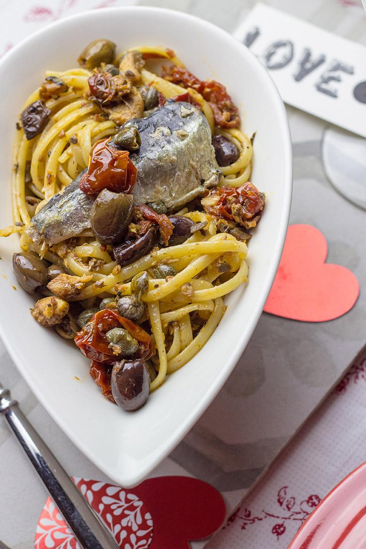 Linguine con sardine alla mediterranea